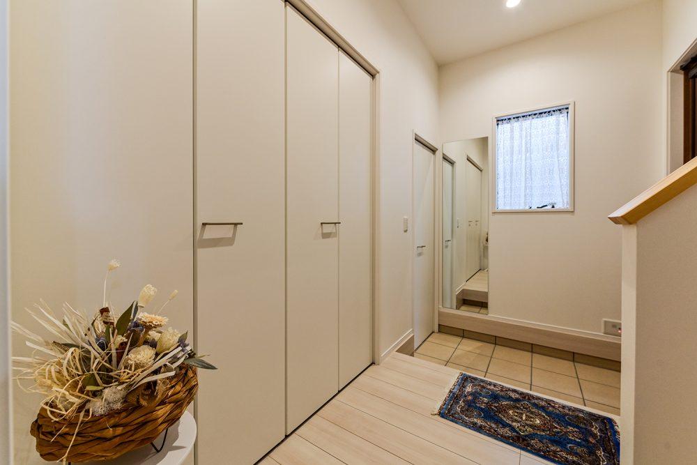玄関が二つある完全二世帯住宅イメージ5
