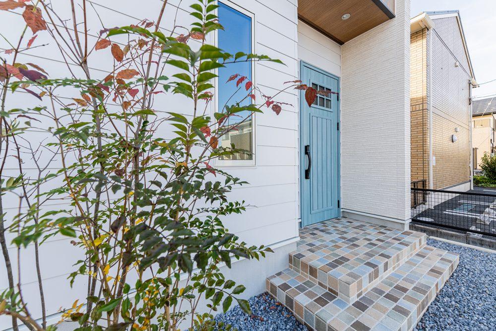吹抜のあるアジアリゾート風の家イメージ9